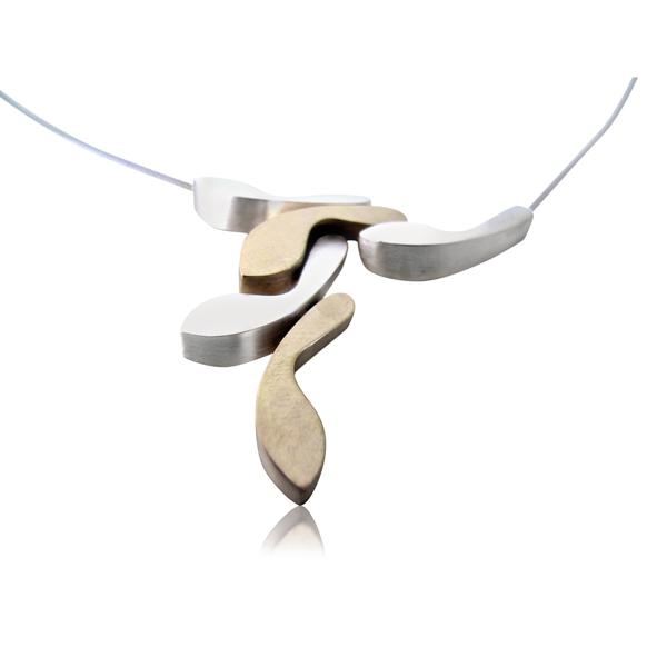 "Ketting met brons en zilver sculptuur - ""A pause, a step back; a slip up, steps sideways, a new step forward..""A lively composition surprises itself. Through improvisation I create, in endless variations of my characteristic sculpture, a versatile, comfortable jewellery line"